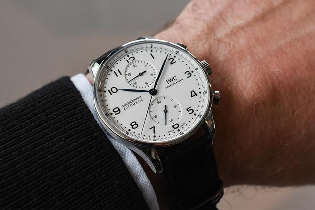 Vì sao mỗi quý ông nên sở hữu ít nhất 3 chiếc đồng hồ? Đắt và tốn một chút cũng chẳng sao, bản thân đạt được điều quan trọng này mới là cốt lõi - Ảnh 4.