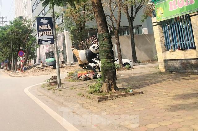 Cả nghìn mét vuông vỉa hè quận Hoàng Mai bị đào xới không phép - Ảnh 2.