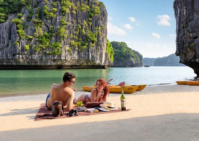 Ngành du lịch thí điểm đón khách quốc tế từ tháng bảy - Ảnh 1.