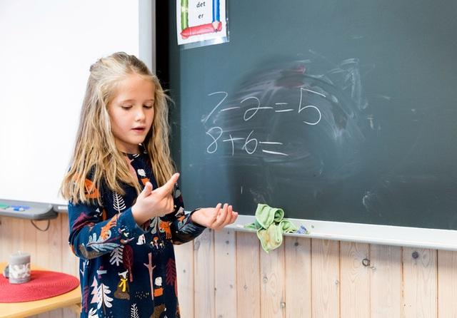 Suốt 7 năm đi học không bị chấm điểm và những điều thú vị về nền giáo dục của quốc gia hạnh phúc Na Uy - Ảnh 1.