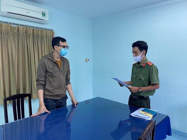 Truy tố nam tiếp viên Vietnam Airlines làm lây lan dịch bệnh Covid-19  - Ảnh 1.