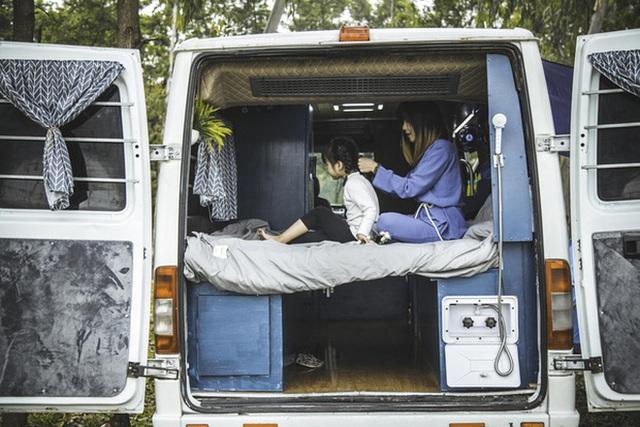 Trào lưu du lịch mobihome nở rộ ở Việt Nam, xuất hiện hàng loạt chiếc xe đẹp mê mẩn khiến hội ưa xê dịch không thể ngồi yên - Ảnh 12.