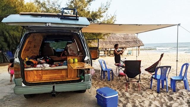 Trào lưu du lịch mobihome nở rộ ở Việt Nam, xuất hiện hàng loạt chiếc xe đẹp mê mẩn khiến hội ưa xê dịch không thể ngồi yên - Ảnh 14.