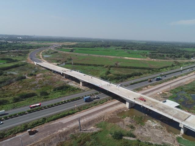 Tuyến đường mới này sắp thông xe ở khu Đông Sài Gòn, BĐS khu vực này bỗng dưng sôi động trở lại  - Ảnh 1.