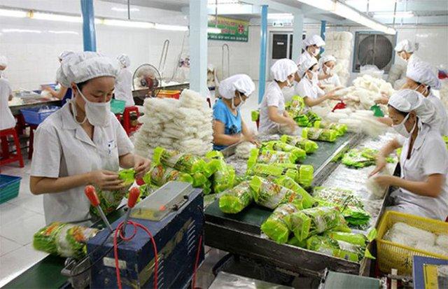 Covid nhà nhà nấu ăn tại gia, lợi nhuận 1 công ty bán phồng tôm, đồ ăn liền tăng gấp rưỡi lên gần 100 tỷ đồng - Ảnh 2.