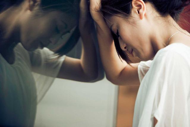 10 dấu hiệu của bệnh trầm cảm: Hãy tự kiểm tra xem bạn dính bao nhiêu, gợi ý cách đối phó hiệu quả - Ảnh 3.