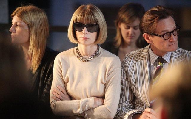 Anna Wintour – bà đầm thép của tạp thời trang danh tiếng Vogue: Vừa được tung hô như một danh nhân vừa bị chỉ trích như kẻ kỳ quặc, nhưng tài năng là điều không thể phủ nhận - Ảnh 2.