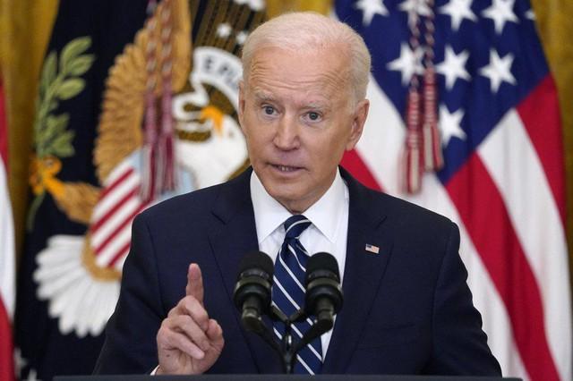 Họp báo lần đầu tiên tại Nhà Trắng, ông Biden khẳng định sẽ tái tranh cử - Ảnh 2.