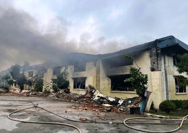 Cháy lớn tại nhà máy may IVORY ở Thanh Hóa  - Ảnh 3.