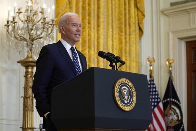 Họp báo lần đầu tiên tại Nhà Trắng, ông Biden khẳng định sẽ tái tranh cử - Ảnh 6.