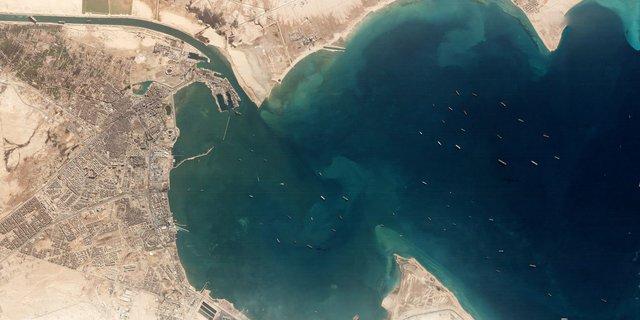 Cuộc khủng hoảng trên Kênh đào Suez: Một ngọn gió đã khiến hàng trăm tàu thuyền đứng im, gây thiệt hại cả chục tỷ đô cho thương mại toàn cầu như thế nào? - Ảnh 3.