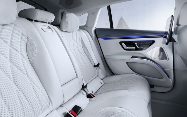 Mercedes-Benz EQS: Dạy cho Tesla biết xe điện cao cấp là như thế nào - Ảnh 7.