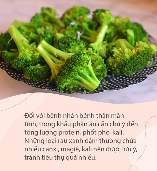 Các loại rau xanh đậm rất ngon và bổ dưỡng, nhưng 2 đối tượng này cần cẩn trọng khi ăn kẻo khiến bệnh thêm nặng - Ảnh 2.