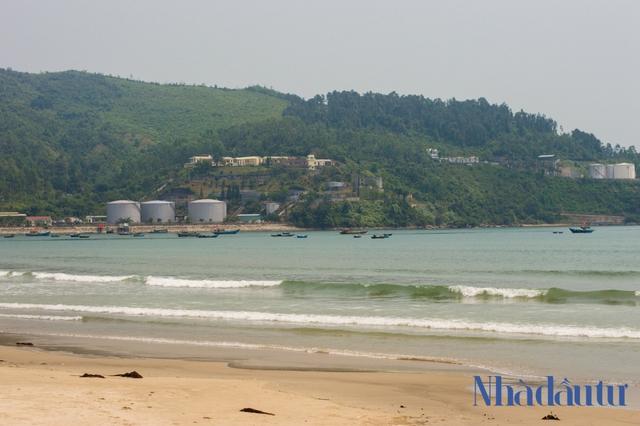 Hiện trạng nơi sẽ được xây dựng Bến cảng Liên Chiểu hơn 3.400 tỷ đồng - Ảnh 2.