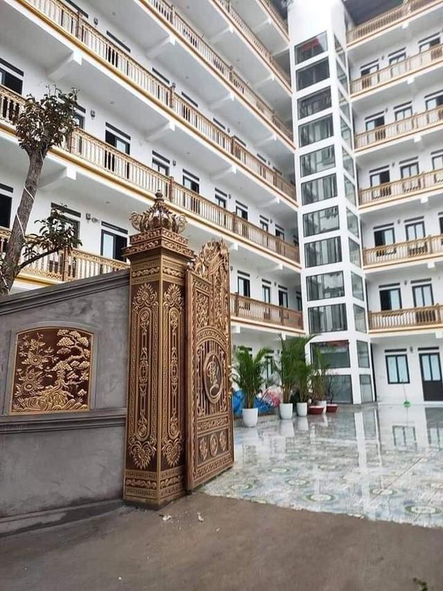 """Xuất hiện khu trọ """"đỉnh của chóp"""" tại Bắc Giang: Cổng dát vàng, thang máy, điều hoà đầy đủ - Ảnh 1."""