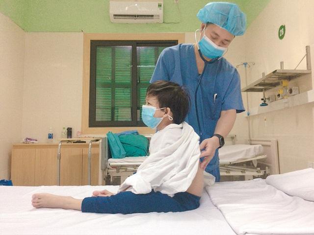 Bé 7 tuổi xác lập kỷ lục là bệnh nhi nhỏ tuổi nhất được ghép tim từ người cho chết não - Ảnh 1.