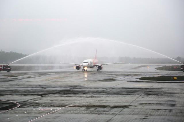 Hình ảnh sân bay Vân Đồn ngày đầu gỡ phong tỏa - Ảnh 1.