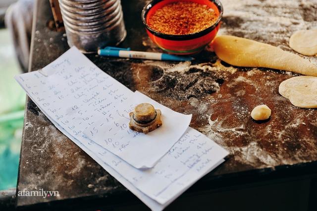 Hàng bánh tiêu CHẢNH nhất Việt Nam - mua được hay không là do nhân phẩm, dù chưa kịp mở cửa đã chính thức hết bánh khiến cả Vũng Tàu tới Sài Gòn phải xôn xao! - Ảnh 11.
