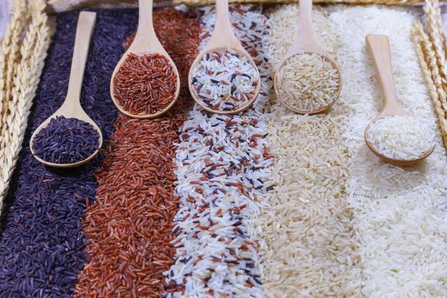 Chuyên gia Ấn Độ khuyên ngâm gạo trước khi nấu cơm: Lợi ích bất ngờ và 4 bước ngâm gạo đúng cách - Ảnh 3.