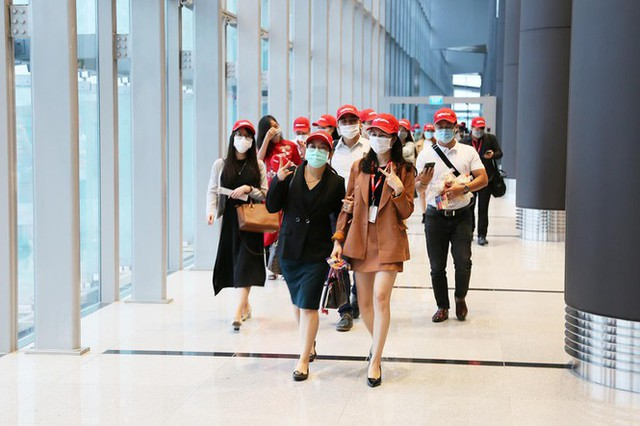 Hình ảnh sân bay Vân Đồn ngày đầu gỡ phong tỏa - Ảnh 4.