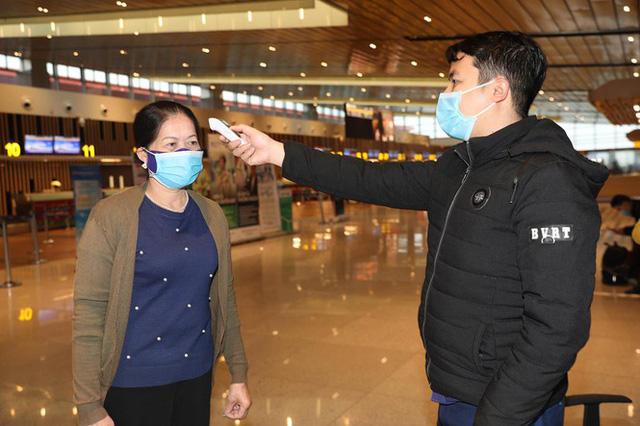 Hình ảnh sân bay Vân Đồn ngày đầu gỡ phong tỏa - Ảnh 6.