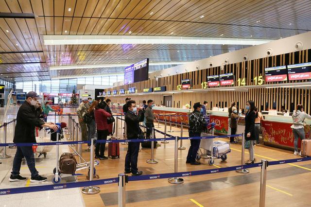 Hình ảnh sân bay Vân Đồn ngày đầu gỡ phong tỏa - Ảnh 7.