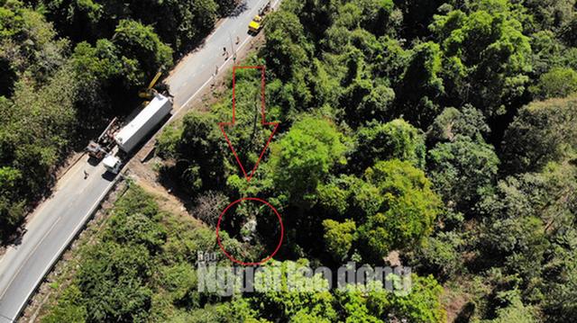 CLIP: Container lại rơi xuống vực tại khúc cua tử thần trên đèo Bảo Lộc  - Ảnh 11.