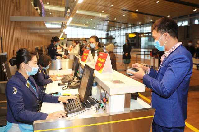 Hình ảnh sân bay Vân Đồn ngày đầu gỡ phong tỏa - Ảnh 8.