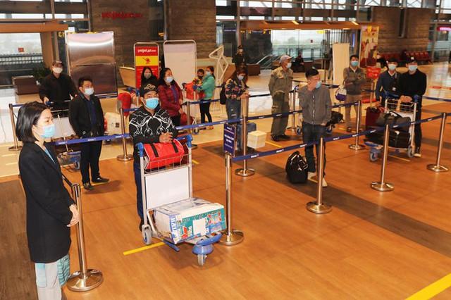 Hình ảnh sân bay Vân Đồn ngày đầu gỡ phong tỏa - Ảnh 9.