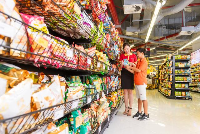Ông Nguyễn Đăng Quang: Ít nhất 50% số cửa hàng VinMart sẽ bắt đầu triển khai dịch vụ tài chính trong năm nay, đối tác đã rất rõ ràng là Techcombank - Ảnh 2.