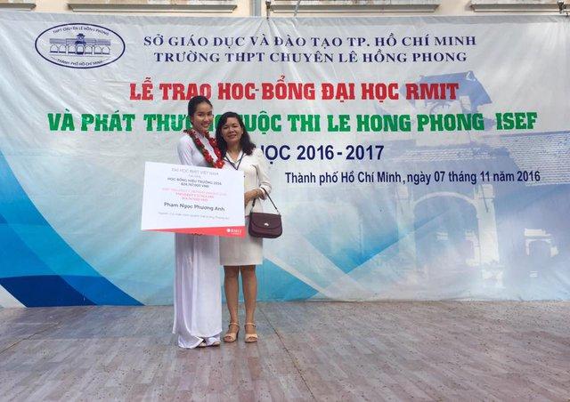 Á hậu Phương Anh tốt nghiệp thủ khoa ĐH RMIT: Thành tích khủng suốt thời đi học, 23 tuổi đã đi tới 21 quốc gia - Ảnh 2.