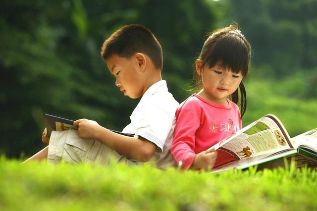 Biết chữ càng sớm, trẻ càng thông minh? Chuyên gia nổi tiếng chỉ ra 5 truyền thuyết về học chữ khiến nhiều cha mẹ giật mình - Ảnh 2.