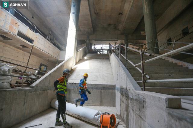 [Ảnh] Cận cảnh ga ngầm metro có giếng trời xuyên xuống lòng đất giữa trung tâm Sài Gòn - Ảnh 11.
