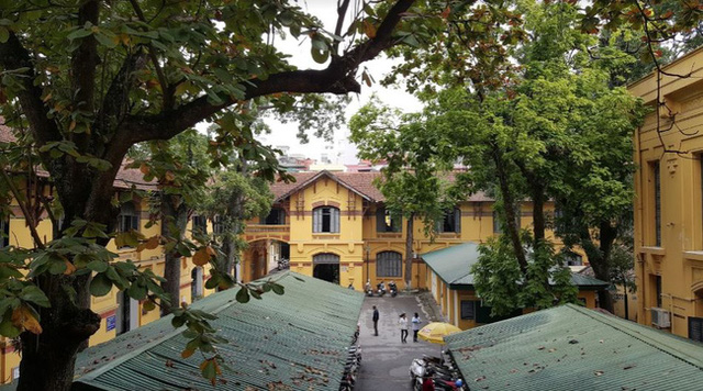 Hanoi has a prestigious university: If you want to pass the exam, you must study very buffalo, the architecture is beautiful, just like an old castle - Photo 14.
