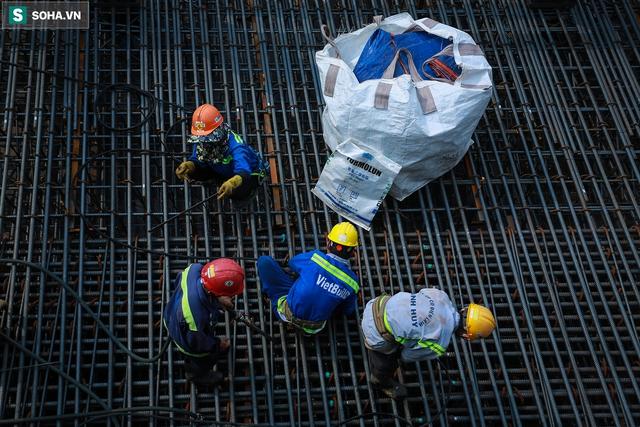 [Ảnh] Cận cảnh ga ngầm metro có giếng trời xuyên xuống lòng đất giữa trung tâm Sài Gòn - Ảnh 16.