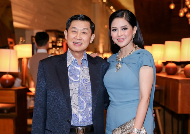 Đọ sắc những bà mẹ đại gia của hội rich kid: Bà trùm hàng hiệu Thủy Tiên sở hữu thần thái đỉnh cao, mẹ Phan Thành bí ẩn nhất Sài thành - Ảnh 16.