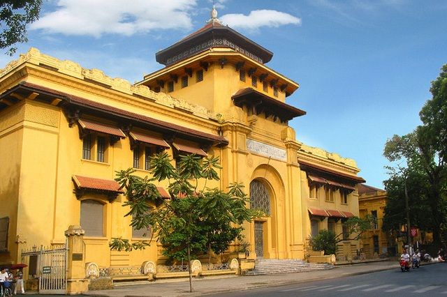 Hanoi has a prestigious university: If you want to pass the exam, you must study very hard, the architecture is beautiful, just like an old castle - Photo 3.