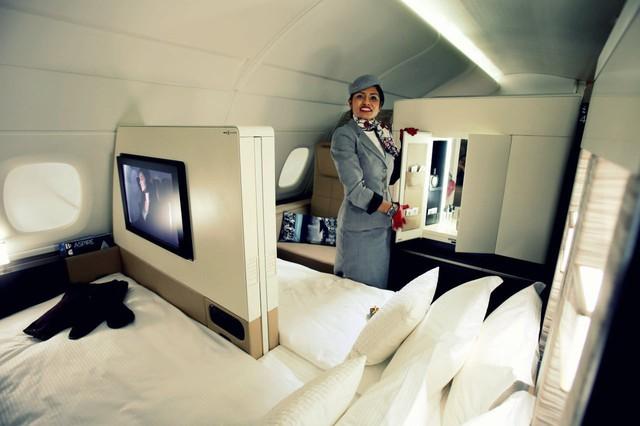 3 chiếc giường đắt đỏ cung cấp không gian ông hoàng trên bầu trời với giá tới hàng tỷ đồng/chuyến đi - Ảnh 3.