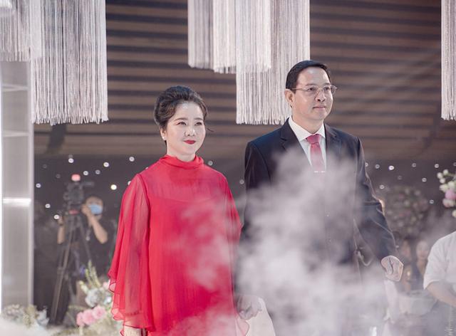 Đọ sắc những bà mẹ đại gia của hội rich kid: Bà trùm hàng hiệu Thủy Tiên sở hữu thần thái đỉnh cao, mẹ Phan Thành bí ẩn nhất Sài thành - Ảnh 3.