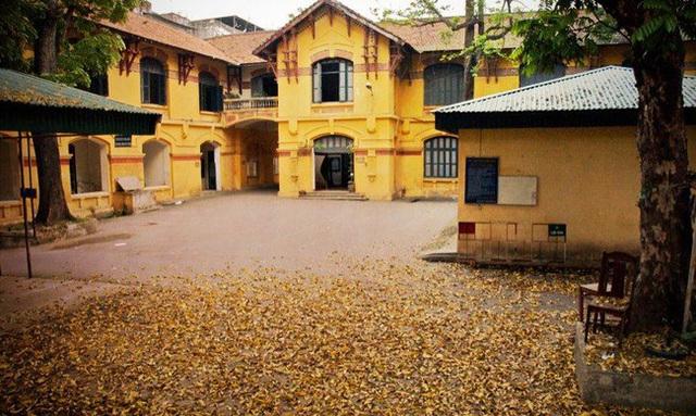Hà Nội có 1 trường đại học danh giá: Muốn thi đỗ phải học cực trâu, kiến trúc thì đẹp thôi rồi, chẳng khác nào lâu đài cổ - Ảnh 4.