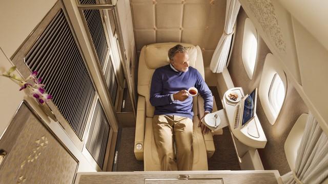 3 chiếc giường đắt đỏ cung cấp không gian ông hoàng trên bầu trời với giá tới hàng tỷ đồng/chuyến đi - Ảnh 4.