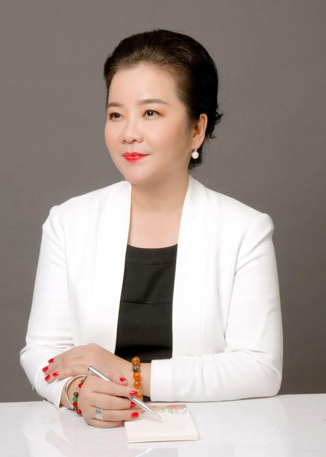 Đọ sắc những bà mẹ đại gia của hội rich kid: Bà trùm hàng hiệu Thủy Tiên sở hữu thần thái đỉnh cao, mẹ Phan Thành bí ẩn nhất Sài thành - Ảnh 5.