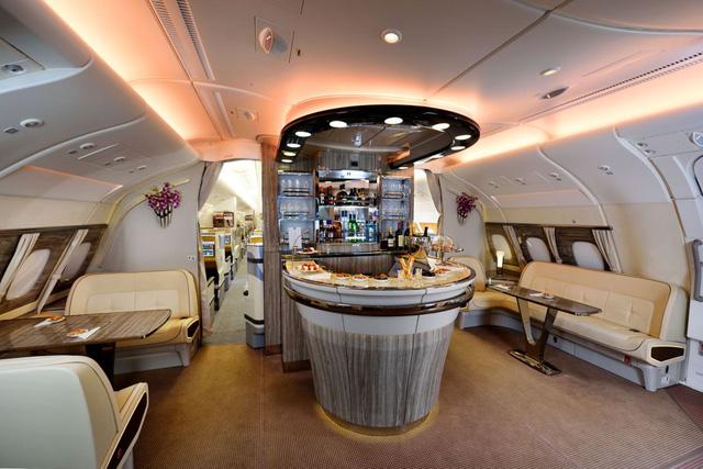 3 chiếc giường đắt đỏ cung cấp không gian ông hoàng trên bầu trời với giá tới hàng tỷ đồng/chuyến đi - Ảnh 6.
