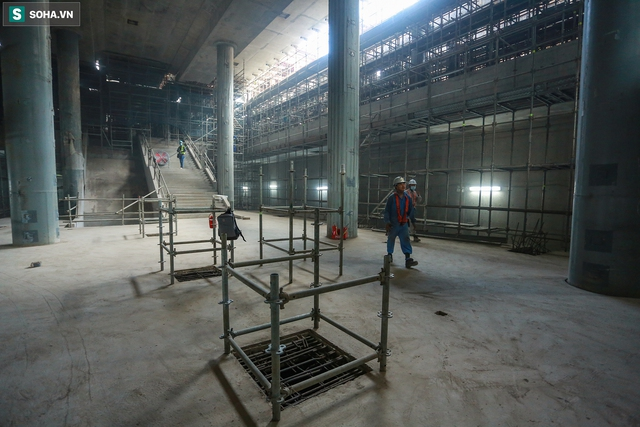 [Ảnh] Cận cảnh ga ngầm metro có giếng trời xuyên xuống lòng đất giữa trung tâm Sài Gòn - Ảnh 7.