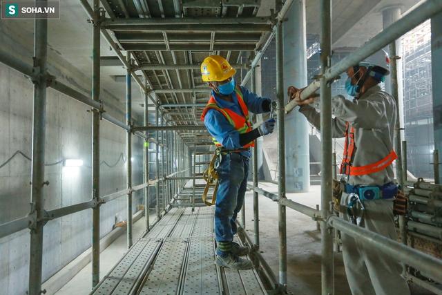 [Ảnh] Cận cảnh ga ngầm metro có giếng trời xuyên xuống lòng đất giữa trung tâm Sài Gòn - Ảnh 8.