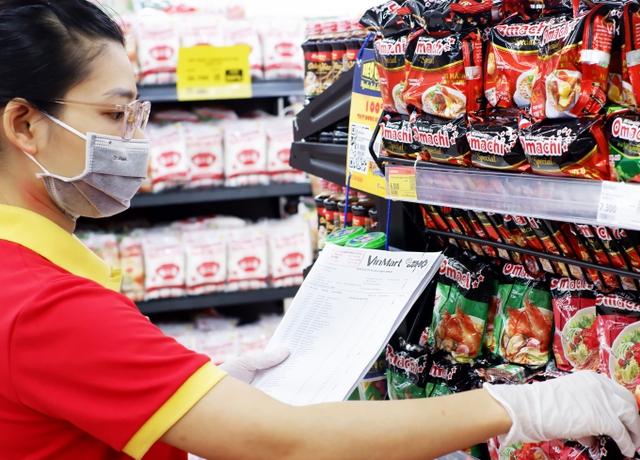 Vingroup muốn bán toàn bộ Vinmart, Vinmart : Cuối cùng tỷ phú Vượng đã nhường lại vương miện 7 tỷ USD cho tỷ phú Quang - Ảnh 3.