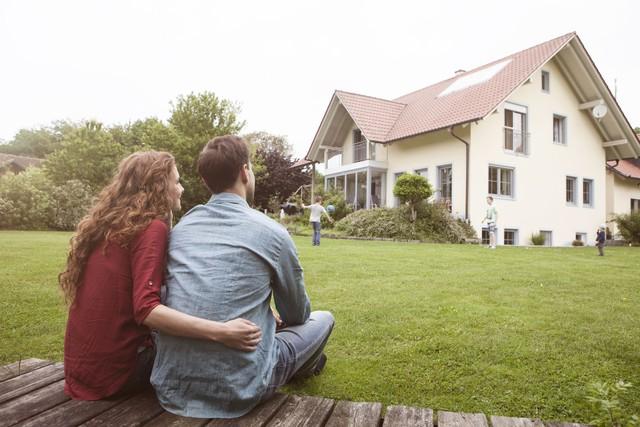 Cùng bỏ ra một số tiền như nhau, tại sao người giàu chọn thuê nhà còn người bình thường muốn mua đứt? Khác biệt nằm ở tầm nhìn của mỗi người - Ảnh 1.