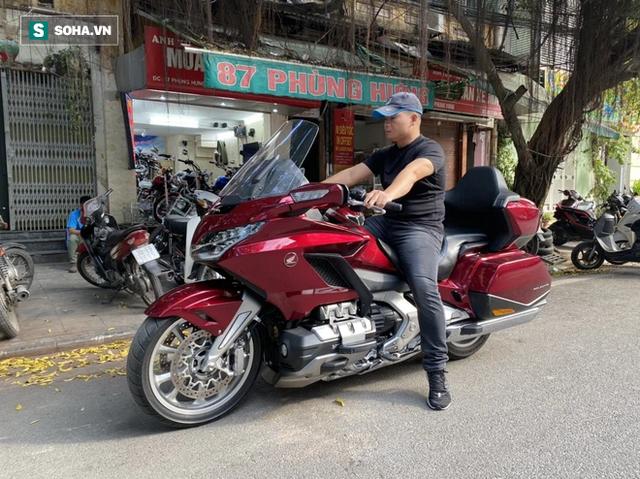 Thợ săn xe cổ nổi tiếng Việt Nam: Buôn xe bãi Nhật từ 15 tuổi, cha đẻ những chiếc CUB hàng trăm triệu - Ảnh 1.