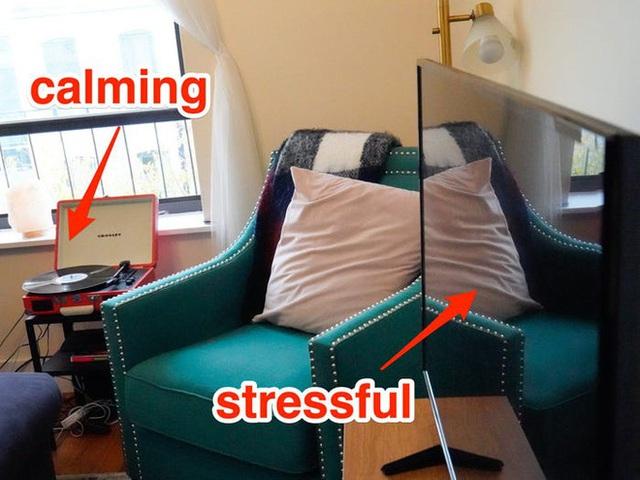 8 tác nhân gây stress trong phòng khách mà bạn không biết: Chuyên gia chỉ cách trị tận gốc - Ảnh 3.