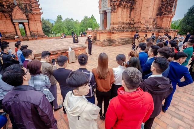 Làng Văn hóa - Du lịch các dân tộc Việt Nam - Cơ hội khi du lịch nội địa trở thành xu hướng? - Ảnh 2.